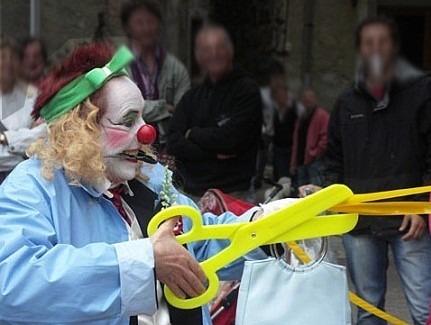Les passantes d'Atout Clowns